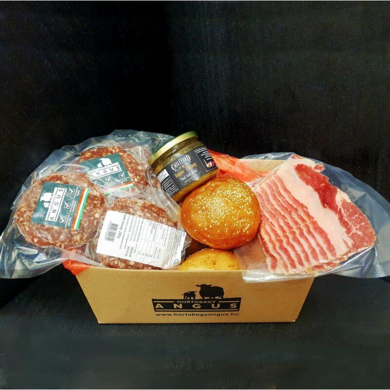 Steakburger PARTY CSOMAG: 6 pogácsa, 6  buci, 1  hagymalekvár, 100 gramm marha bacon